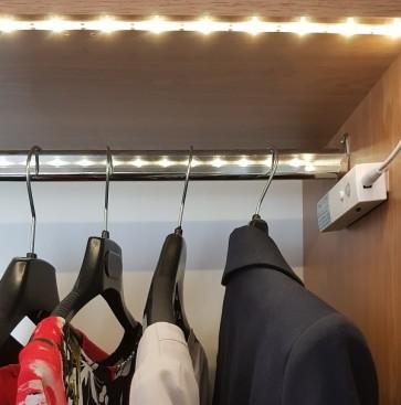 BEDELIA AAA Ruban Led éclairage 1M pour meuble avec détecteur rechargeable autonome Led 160 Lumen