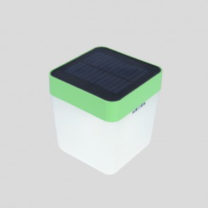 Lampe de table CUBE solaire vert 100 lumens 3 intensités lutec table cube